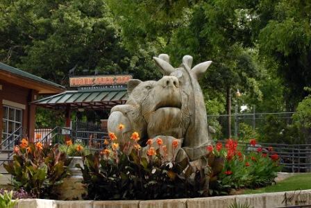 Frank Buck Zoo animal statue
